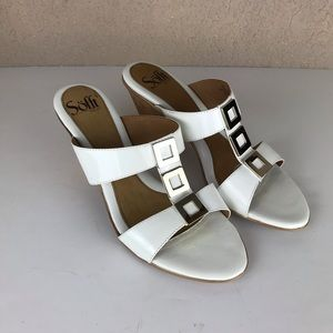 Sofft womens white sandal wedge size 8.5 M